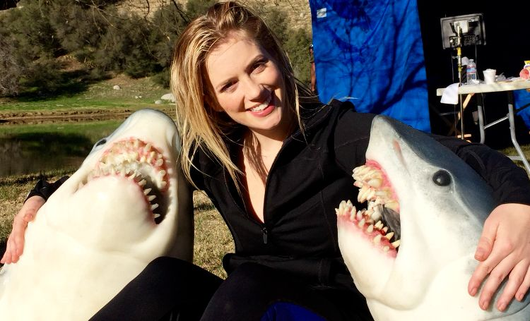 Kabby Borders and a couple of shark pals. [Pic shamelessly lifted from kabbyborders.com, since there are no damn other pics available!]